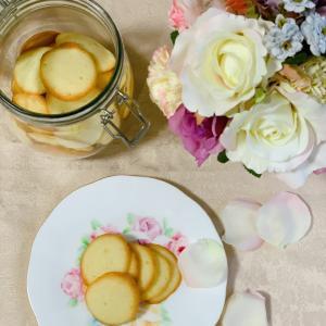 花びらのような手作りラングドシャで、のんびり日曜のおやつ