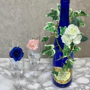 素敵なセンターピース(テーブル花)にもなる、華やかボトルホルダーのレッスンご案内