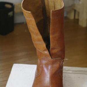 ズボンのシルエットを綺麗に見せるには。ブーツのシャフト詰篇