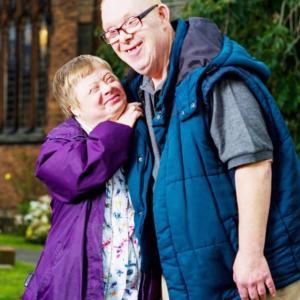 ダウン症のあるご夫婦、結婚27年