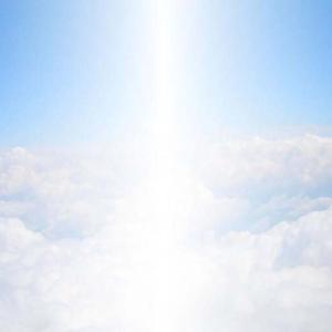神様と天使の元から、この世に舞い降りる前の我が子のストーリー