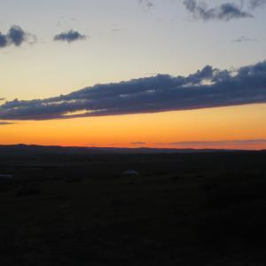 モンゴルで見た、ある日のサンセット (Destinationsモンゴル24)