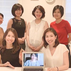 人生初のラジオ番組収録に挑戦!鶴賀奈穂乃さんによるラジオ番組「フリーライフトーク」100回記念!