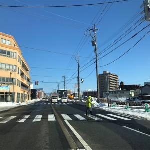福井は晴れてます。明日から気温も上がるし雨も降るので雪が融けるでしょう。