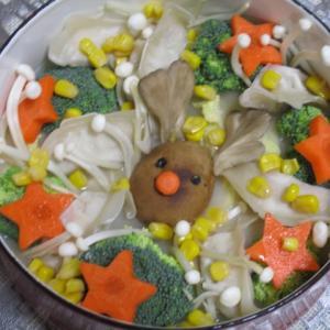 クリスマスモチーフのトナカイをきのこで作るアイデア&鍋レシピ♡トナカイの野菜たっぷり餃子鍋♪
