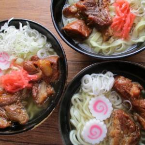 夏場に喜ばれる♡お取り寄せ+手作り豚の角煮で!家族で楽しむ沖縄そば!♪