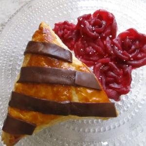 夏の終わりの思い出!願いを呼ぶ季節♡5本の薔薇のブーケパイ♪