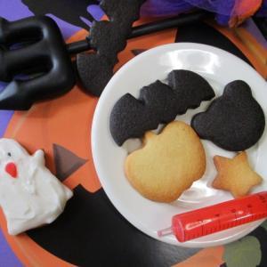 魔女のお家で食べている♡ハロウィンクッキー♪