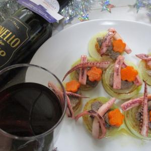 赤ワインと楽しむ!簡単!イタリアンバル風ジンギスカンなバターポン酢イカ・輪切り玉ねぎ♪