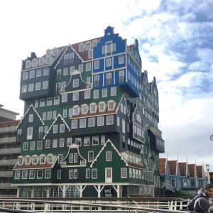 オランダ おもしろいホテルのある街 ザーンダム