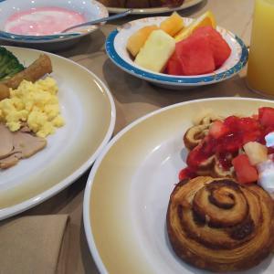 下船日の朝ごはんもウインジャマーカフェ♪~フライ&クルーズで香港発着ボイジャー・オブザシーズ乗船記ー2019.8月・本編7-2