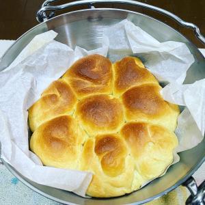 ダッジオーブンでパン作り