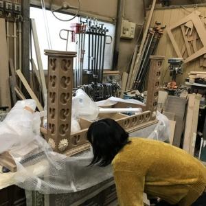 「イギリスの大学でアンティーク家具修復を学びたい人」
