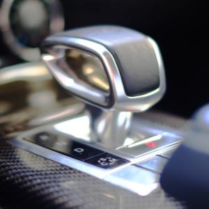 国交省が車メーカーにアクセル踏み間違い防止開発計画策定要請・簡単な事故防止法