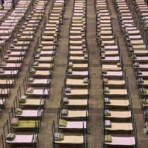 武漢のような病院建設、終わりがないコロナ