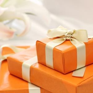 お花だけじゃない?記念日に贈るオススメのプレゼント3選