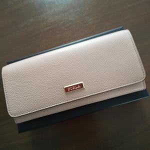財布を新調しました♪