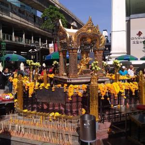 バンコク観光には外せない!パワースポット・エラワン廟のご利益とは?