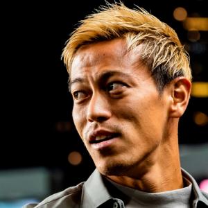 本田圭佑さん「会社を休めないなら、今が辞めるチャンスだぞ!」