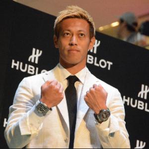 本田圭佑さん「両腕に時計」の秘密をついに語る...!