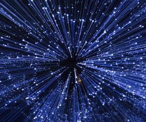 宇宙からの情報を効率よくダウンロードするには〇〇が一番