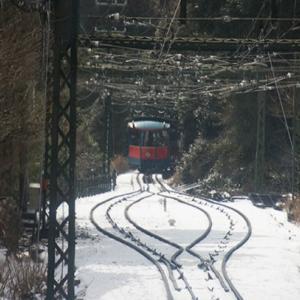 ああ六甲山に雪が降る