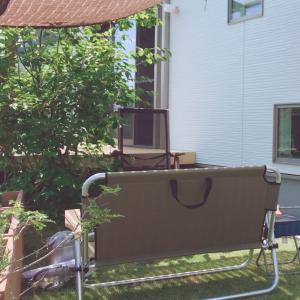 庭でBBQ…アウトドアチェアとシェード