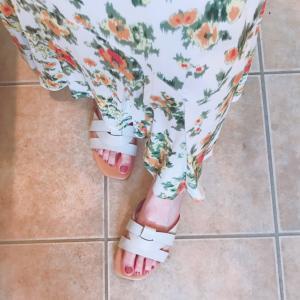 花柄スカートとサンダル…お買い物マラソンつづき
