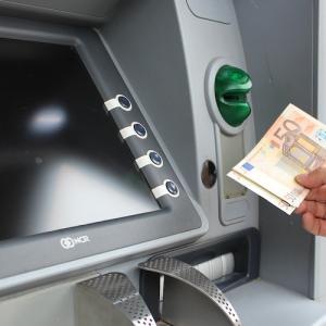 海外旅行は両替より安いキャッシング派。ATM手数料無料のセディナカード を作ってみたよ♪