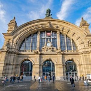 ヨーロッパ旅行にはThreeSIMとmytaxiアプリがオススメ!