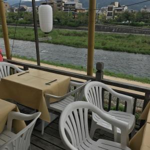 【京都】佛沙羅館 (ブッサラカン)〜納涼床でタイ料理