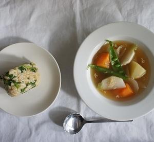 野菜スープ+カブの葉の玄米おにぎり
