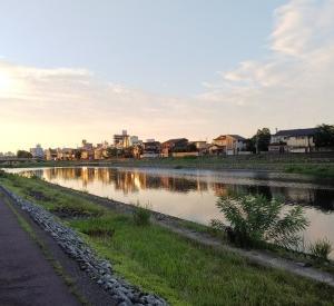 犀川 夏の夕刻