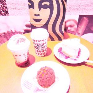 STARBUCKS  COFFEE ♡ メリーストロベリーケーキ & ミルク♡♡♡