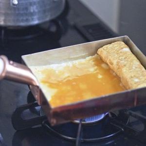 長く使えば使うほど味が出る『【中村銅器製作所】銅玉子焼き器 関西型』はプロの料理人も愛用してます。