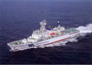 不審船対策で、海保と海自が共同訓練。