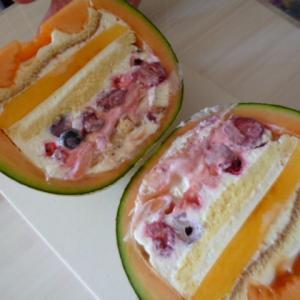 手作りしてみました!まるごとメロンのケーキ