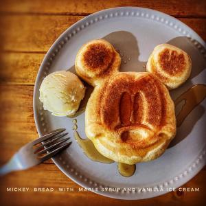 ミッキーのぱんで朝ごはん