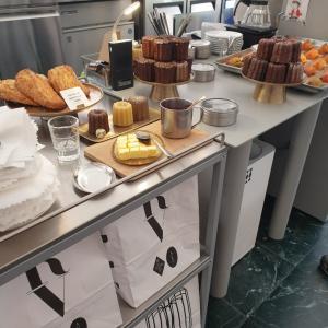 ホンデ駅近く!ミルクティーとカヌレが美味しいカフェ!