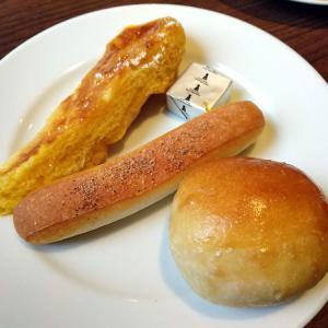 トラディショナルなパン食べ放題、サンマルクレストラン