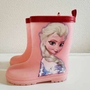 子供の長靴に アナ雪 のデコパージュ
