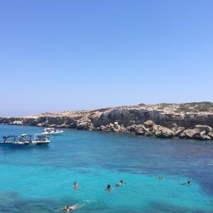 【キプロス】海が青い!アヤナパ屈指のグレコケイブ!~ラルナカから日帰りで行く方法