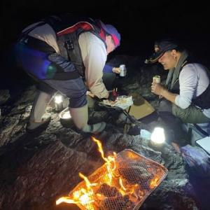 千一夜第3章第232夜 後編:夜食は岩山の上で焼肉だ~