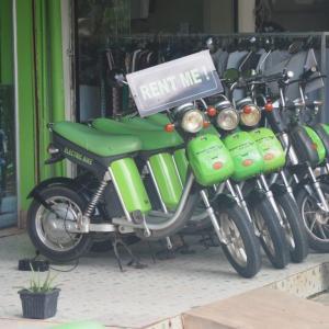 アンコールワット巡りに超便利!シェムリアップで電動バイク(Green e-bike)を借りてみた