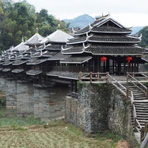 中国最大の風雨橋!トン族・程陽村のまるでお城みたいな中国の木造橋が壮麗すぎた