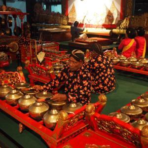 不思議な楽器に神秘的な音楽!ジョグジャカルタでインドネシアの伝統芸能の影絵(ワヤン・クリッ)を鑑賞した