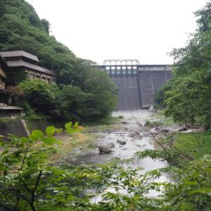 巨大ダムの見える絶景混浴温泉!岡山県北部の湯原温泉の砂湯に行ってきた