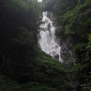 中国地方一の滝!日本の滝百選にも選ばれている岡山県の「神庭の滝」へ行ってきた