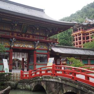 日本三大稲荷のひとつ!佐賀県の祐徳稲荷神社で日本神社の壮麗さを改めて思い知らされた
