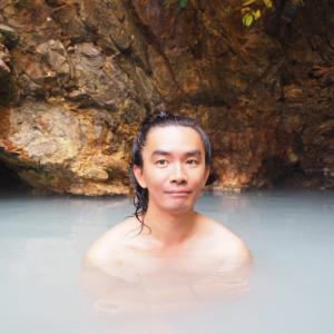 北海道然別峡・鹿の湯周辺に点在している崖下の湯、メノコの湯、ペニチカの湯などの野湯群を巡った冒険記